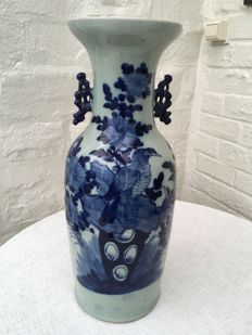 Large vase with bird and flowers - China - Early 20th century
