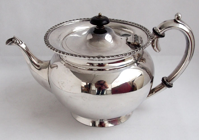 Antique Silver Plated Tea Pot Lee u0026 Wigfull England Late 19th Century & Antique Silver Plated Tea Pot Lee u0026 Wigfull England Late 19th ...