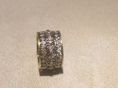 Wide-band ring in 18 kt gold with 0.80 ct diamonds - size 17
