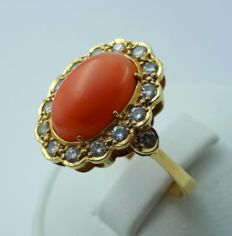 18 K Yellow Gold cluster ring with Coral & Diamonds