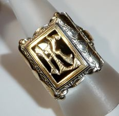 "Antique men's ring with initials ""KC"" / ""CK"" 900 silver with solid 14 kt gold applique"
