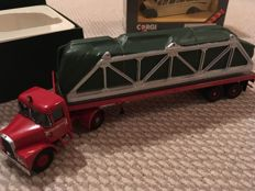 CORGI - Scale 1/50 - Scammel Highwayman and trailer & Bedford Type OB Coach