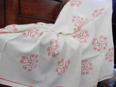 Large (270 cm x 148 cm) Hand Embroidered Linen Tablecloth