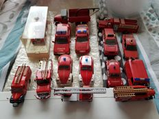 Corgi / Atlas / Solido - Scale 1/72-1/43 - lot with 14 models: 14 x fire trucks