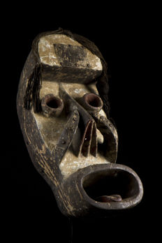 Mask of ceremony - GREBO, KRAN - Liberia