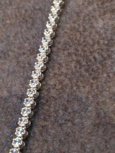 18 kt gold tennis bracelet with white sapphires - 19 cm - No reserve price