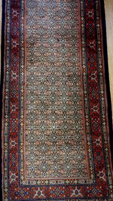 Beautiful Persian rug from Moud/Mut of 295 x 80 cm. Made in Iran.
