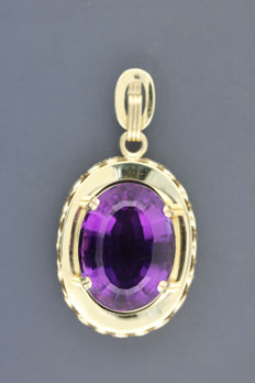 Amethyst gold pendant, 585 gold, pendant dimensions: 21 x 28.5 mm