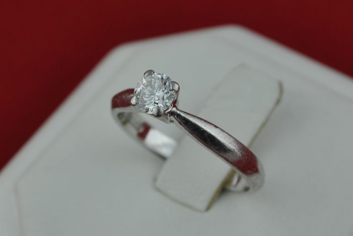 Beautiful Solitaire Diamond (+/-0.40ct FG / VS2-SI1) & Platinum 950 Engagement Ring + Box - Size 53 *Re-sizable