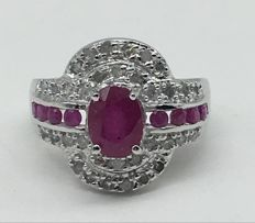 14k  White Gold Ring  ruby   and 34 Diamonds 0.6 ct Total - Ring Size: US 7