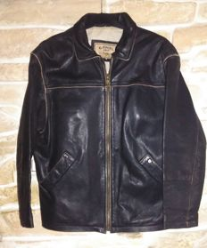 CAMEL- casual, adventures, motorcycles, pilot leather jacket, new condition.......expensive item.