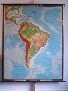 Beautiful school board / school map South America on smooth linen of Haack-Painke, in excellent condition