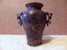 Bronze vase - Japan - first half of the 20th century