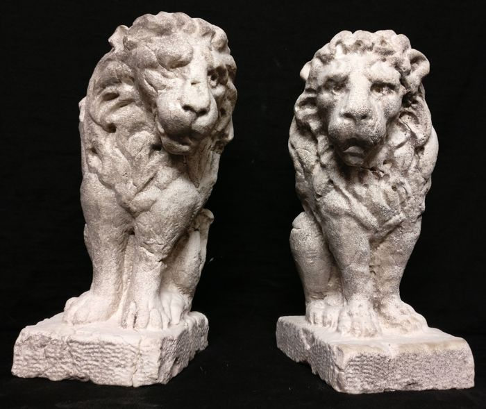 Pair of Lions of St. Mark in Istrian marble, carved and worked by hand - Italy - Venice - 20th/21st century