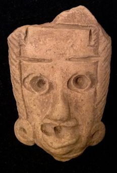 Pre-Columbian pottery head of an individual wearing earspools and a headdress - Mexico - 5,5 cm