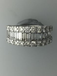 18k White Gold 2.75ct Diamond Ring