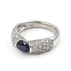 900 platinum - Cocktail ring - Diamonds: 1.30 ct - Faceted sapphire: 1.20 ct - Ring inner diameter: 16.70 mm
