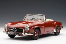 AUTOart - Scale 1/18 - Mercedes-Benz 190 SL - Red