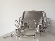 Tea/coffee service in sterling silver