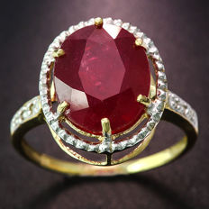 14k Yellow Gold  ring with  ruby and diamonds 0.03 ct - Ring Size: US 7