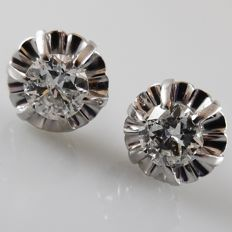 Platinum ear studs from the 1940s with 1.20 ct diamond, backs 18 kt white gold - diameter 9 mm