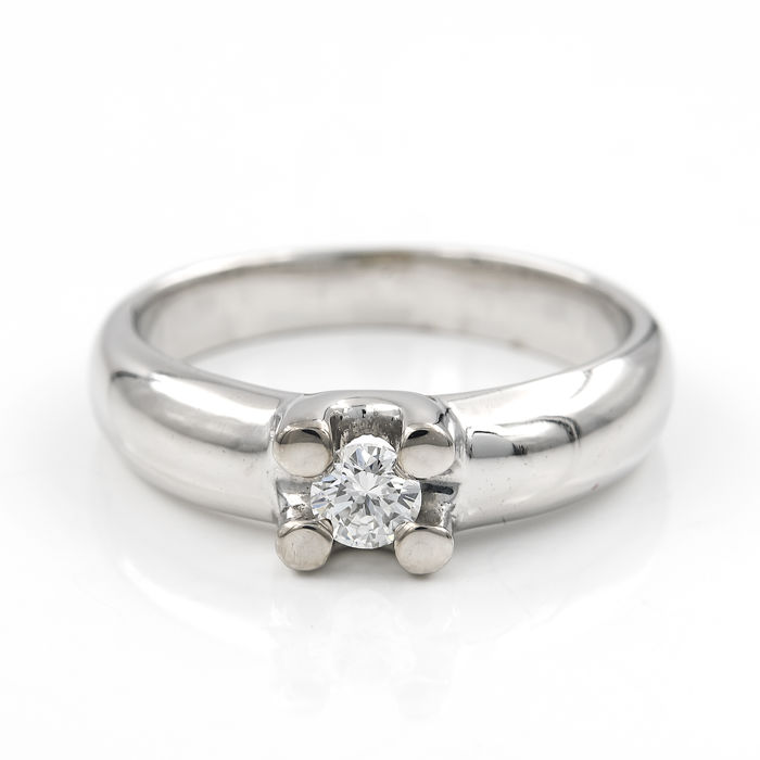 White gold 18 kt - Solitaire - Central brilliant-cut diamond of 0.20 ct - Cocktail ring size: 10.5 (SP)
