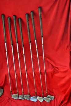 Collection of 7 vintage wooden golf clubs,  Jack Nicklaus, leather handles Mac Gregor