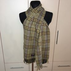 Burberry - 100% Lambswool Long Scarf – 1.9 meters long!