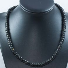 Black coral antipatharia necklace with 18 kt gold clasp - 48 cm