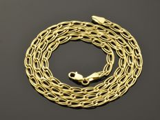 18k Gold Necklace. Chain. Length 45 cm. Weight 4.82 g. No reserve price.