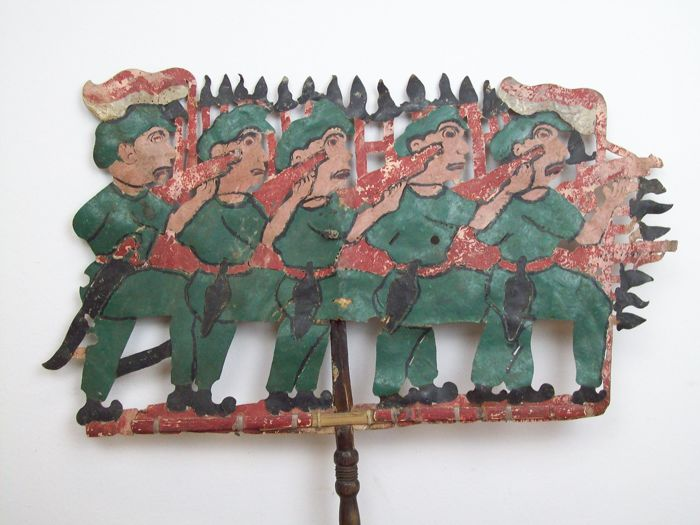 Wayang Kulit figurine army - Indonesia, Java - around 1940