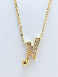 "18 kt yellow gold initials necklace with diamond set letter ""N"" - 0.03 ct, G/SI - length 40 cm"