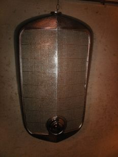 Mercedes Benz RADIATOR GRILLE - W136 260D - W153 - W142 - ORIGINAL patina