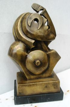 Sculpture of female bust - surreal