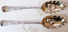 2 almost identical antique silver (red)fruitspoons - G.Smith II - London 1774-75 & Henry Brind - London - 1764-65