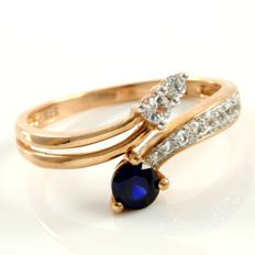 14 kt Rose Gold 0.15 ct Synthetic Sapphire, 0.20 ct White Sapphire Ring  Size: 7.5 -- No Reserve