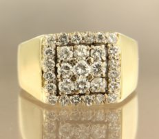 18 kt bi-colour gold men's ring set with 29 brilliant cut diamonds, approximately 2.20 carat in total