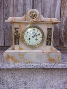 French mantle clock - Veined marble - Late 19th century