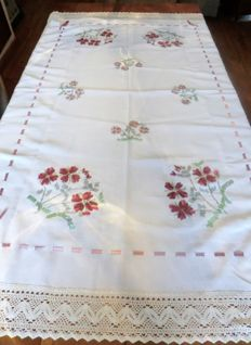 Tablecloth with handmade raised christmas rose and hand hooked border