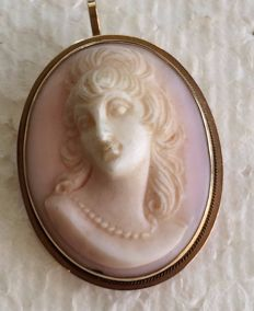14 ct gold vintage pink shell cameo pendant or brooch
