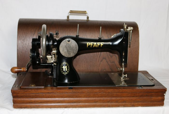 Pfaff 40 Manual Sewing Machine From 40 With Wooden Cover And Delectable Original Sewing Machine
