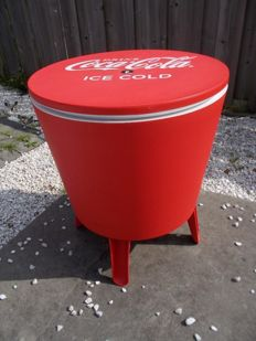 Coca Cola - Beverage cooler / standing table