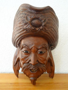 Rosewood carved masked of Guanyu - China - 2nd half 20th century