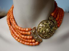 Rare. 100% authentic red coral 5-strand necklace with 14 kt antique gold filigree three-part clasp