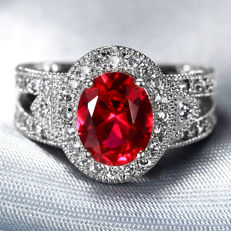 14 kt gold 4ct Ruby  and  0.15ct   White  Diamonds White Gold  Ring  US Size 7