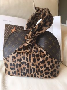 Louis Vuitton - L.E. Leopard Azzedine Alaia 100th Anniversary LV Monogram Handbag - Limited edition, Rare