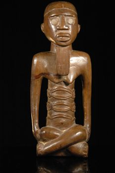 Seated Figure - BEMBE - Congo