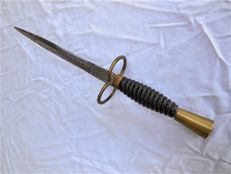 Antique Parrying Dagger/Left Hand Dagger/Bollock Dagger with Blade Engraving