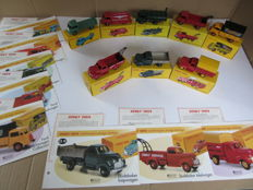 Atlas-Dinky Toys - Scale 1/43 - Lot with 8 models 3 x Studebaker Pick-Up and Ford truck from the 1950s - including model description and certificate of authenticity.