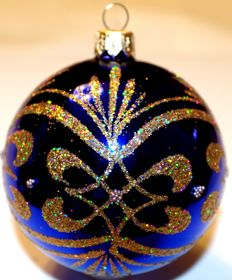 200 Hand-painted glass Christmas baubles